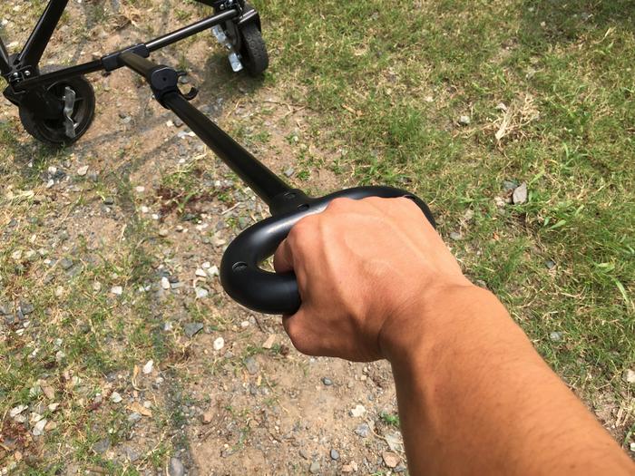しっかり握れるハンドル