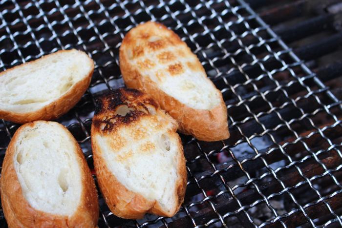 炭焼きパン
