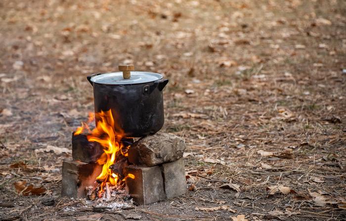 真っ黒の鍋
