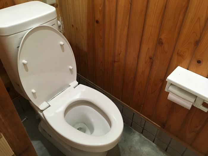 今川公園 トイレ 中