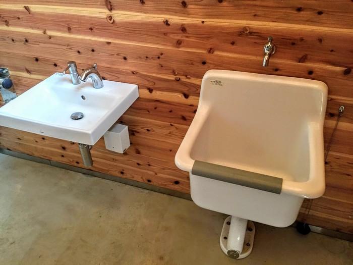 昭和の森 キャンプ 身体障害者用トイレ