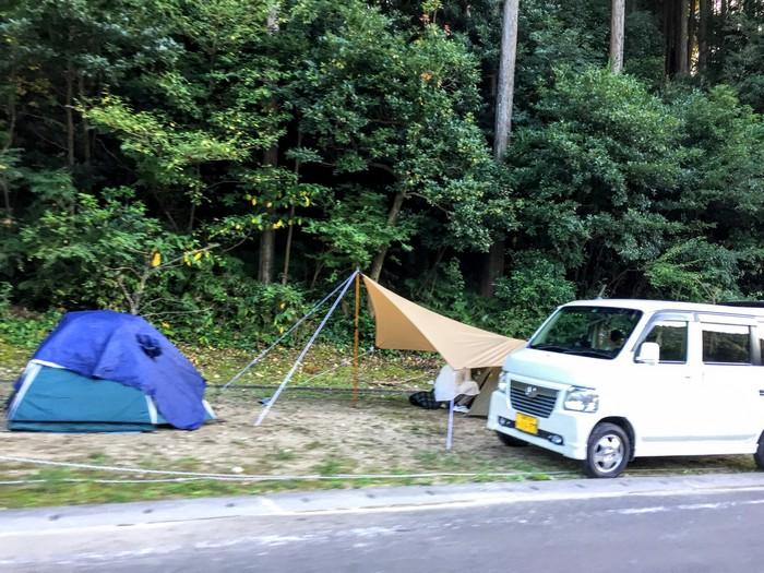 昭和の森 キャンプ 駐車場前