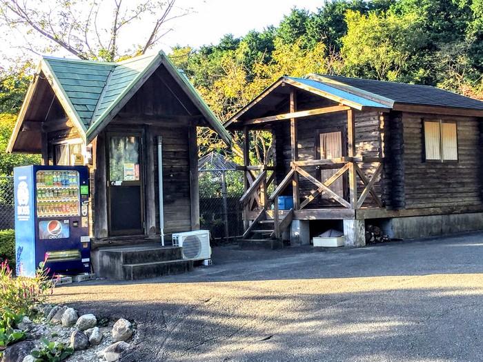 昭和の森 キャンプ 管理棟