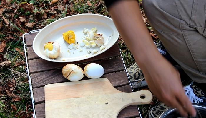 脊振山キャンプ場 焼き卵