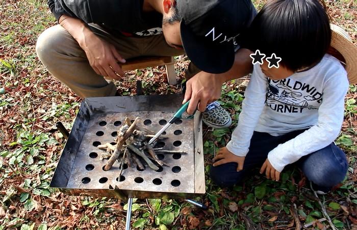 脊振山キャンプ場 火を付ける